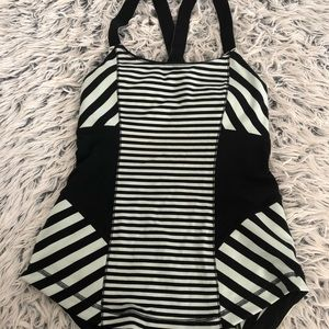 Auth LULULEMON WORK IT OUT TANK SIZE 4